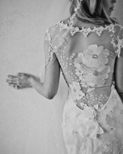 {Wedding Wednesday} Backless Wedding Dresses