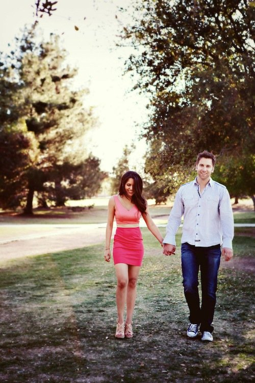 {Wedding Wednesday} What to Wear for Your Engagement Photos