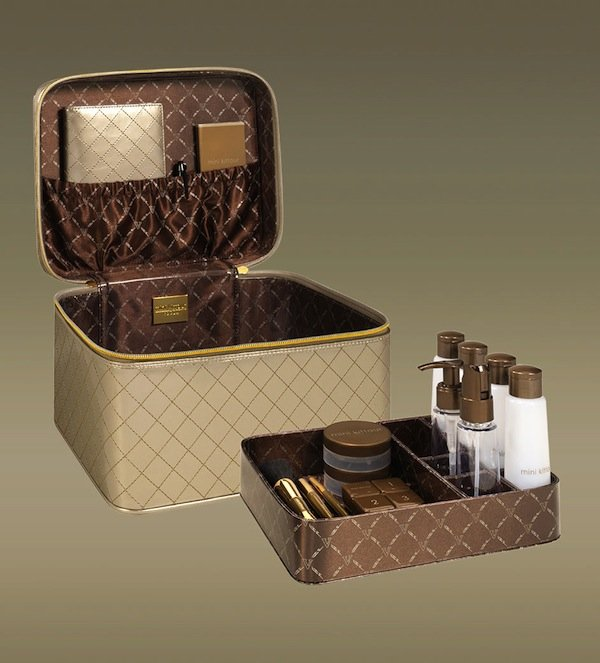 Honeymoon Essentials: Mini Kittour Jetsetter