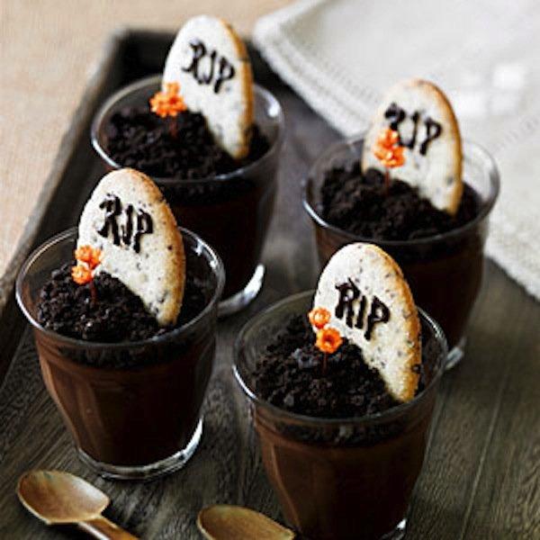 {Foodie Fridays} Spooktacular Halloween Treats