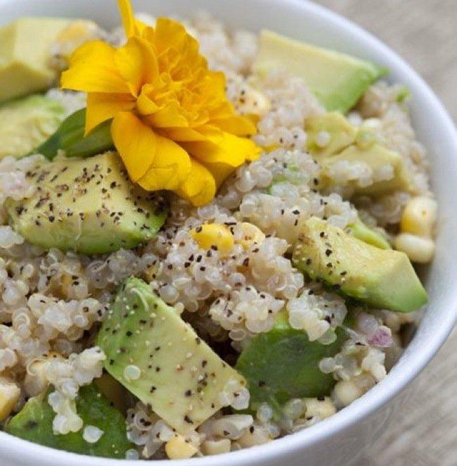{Foodie Fridays} Quinoa Avocado & Corn Salad Recipe