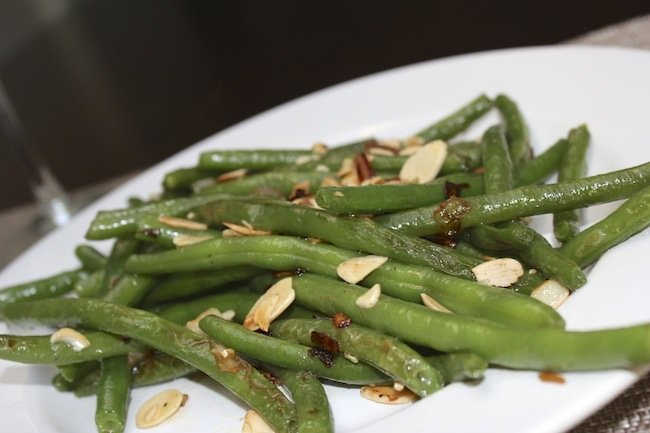 IMG 8989 {Foodie Fridays} Garlic Sautéed Green Beans with Shallots and Slivered Almonds