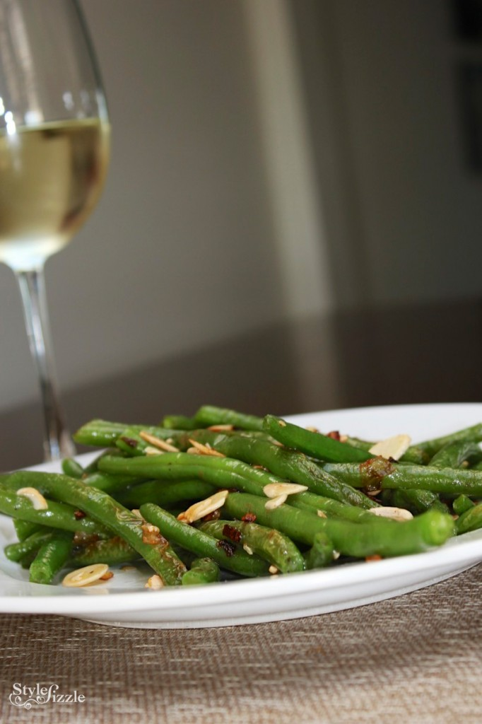 sauteed green beans garlic shallots almonds 682x1024 {Foodie Fridays} Garlic Sautéed Green Beans with Shallots and Slivered Almonds