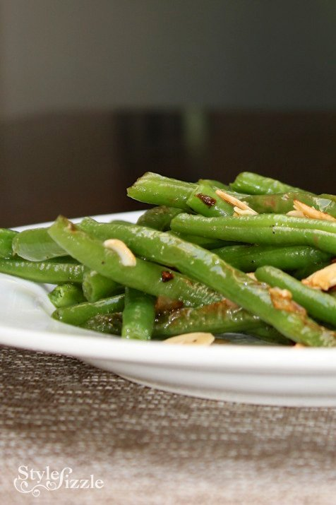sauteed green beans garlic slivered almonds shallots {Foodie Fridays} Garlic Sautéed Green Beans with Shallots and Slivered Almonds