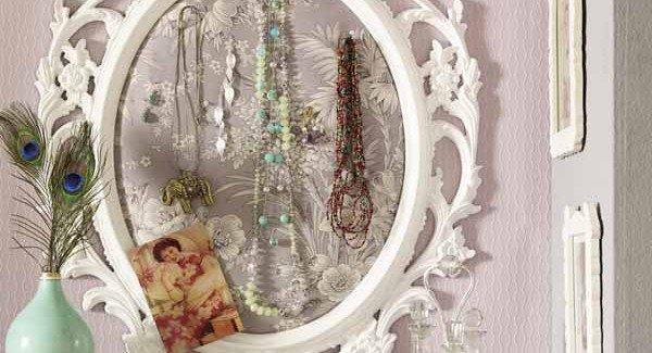 diy-jewelry-storage-ideas-mirror-frame-pins-decorative-600x325