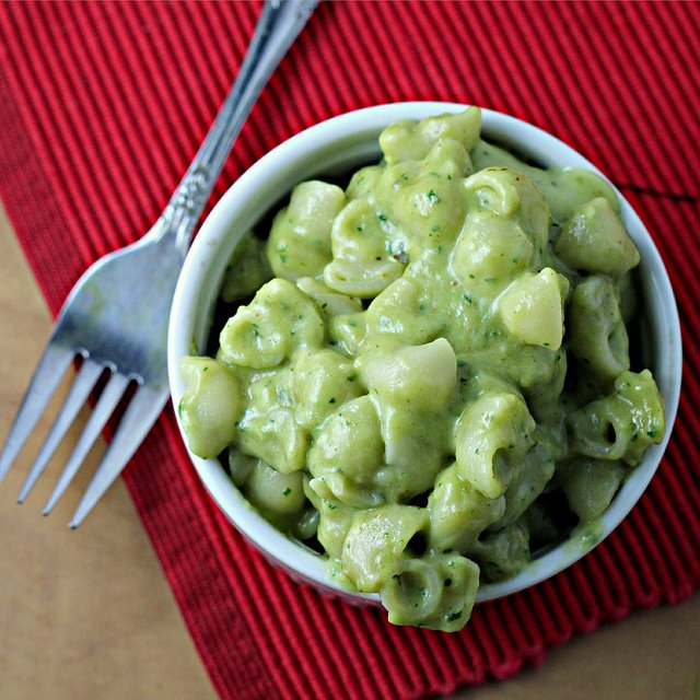 7398885294 ecfdf83f64 z {Foodie Fridays} Eight Amazing Avocado Recipes