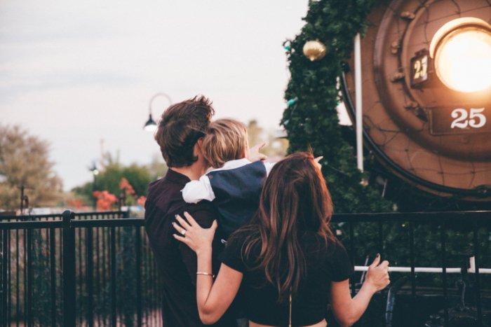 Our Holiday Photos | Family Photos with a Toddler
