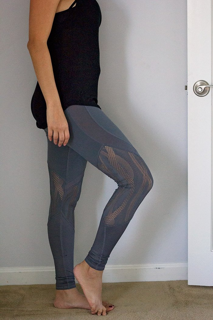 alo yoga vitality mesh leggings