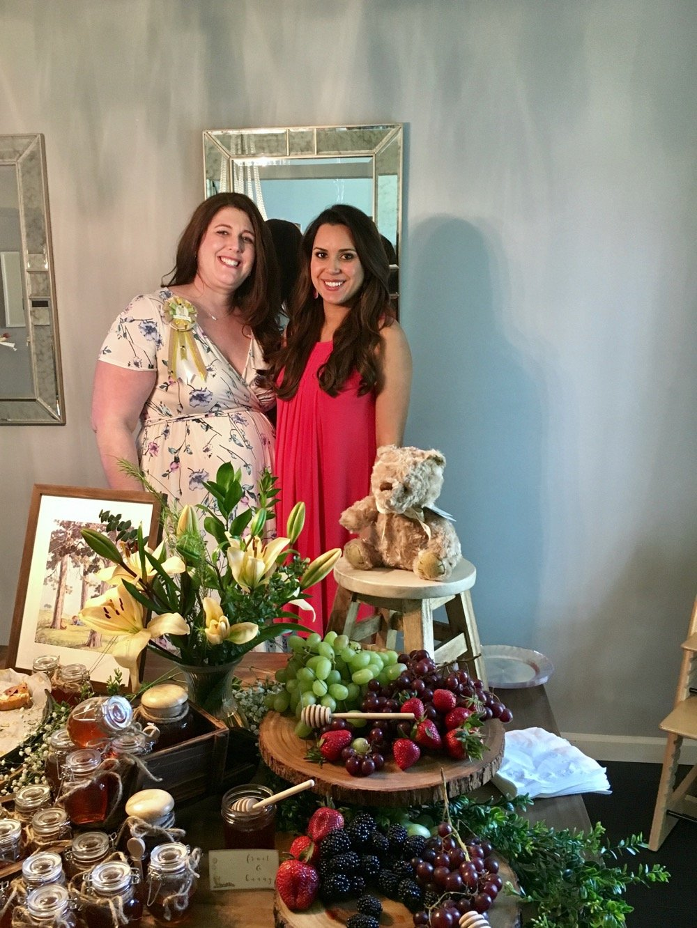 Classic Winnie the Pooh baby shower, woodland theme baby shower. Click to see more from this beautiful neutral baby shower!