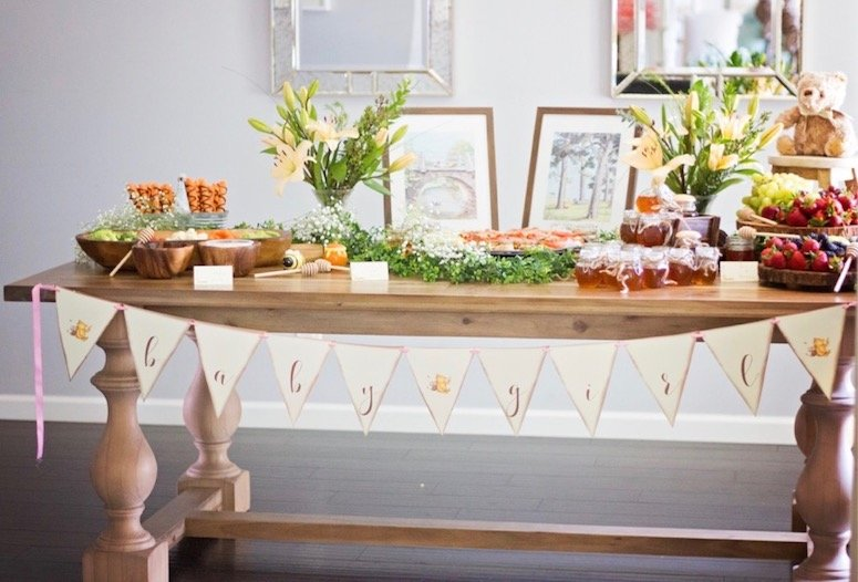 Classic Winnie the Pooh baby shower tablescape and ideas! Click to see the rest of this beautiful baby shower