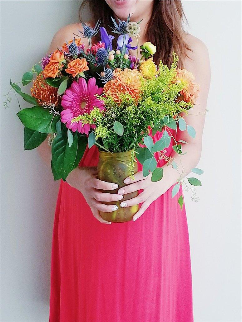 how to make your fresh cut flowers last longer flower arranging tips. Black Bedroom Furniture Sets. Home Design Ideas