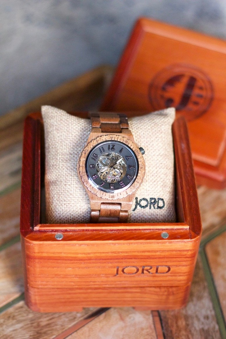 jord wood watches 5th wedding anniversary gift idea for men