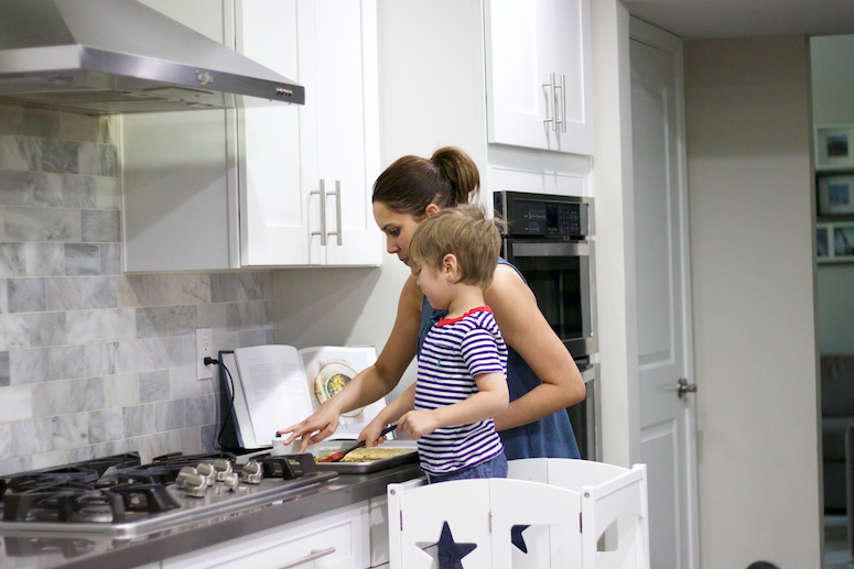 ways we simplify family life pizza night