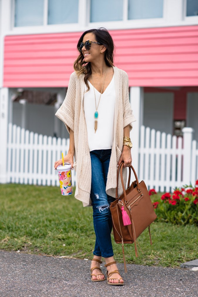 cute cardigan outfits for spring neutral cardigan with jeans and sandals