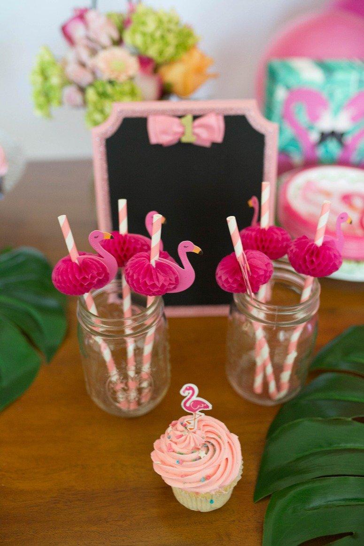 flamingo birthday party decor